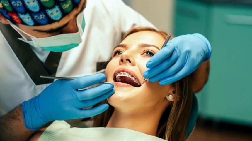 Proste zęby w 6 miesięcy – czy to możliwe?