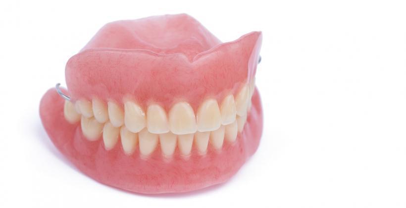 proteza akrylowa